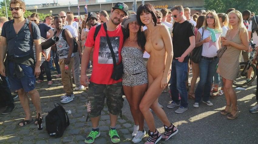 milor-moire-nude-naked-selfies-14