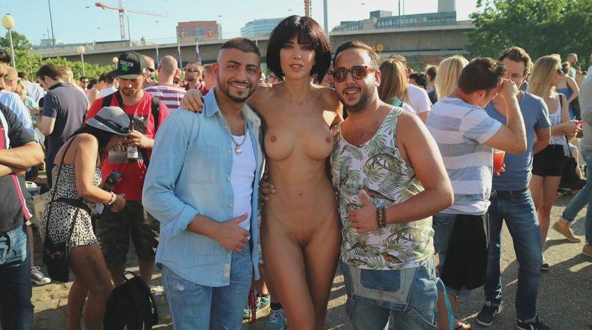 milor-moire-nude-naked-selfies-15