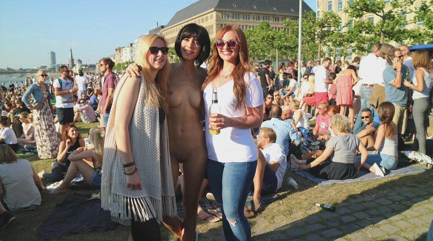 milor-moire-nude-naked-selfies-17