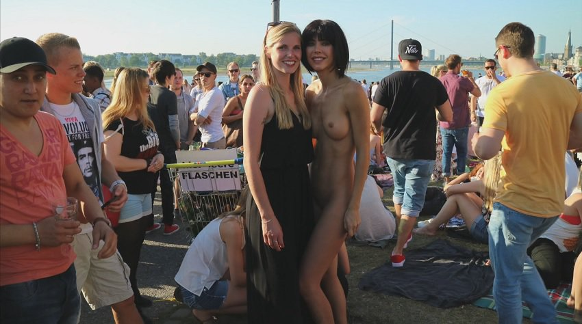 milor-moire-nude-naked-selfies-19