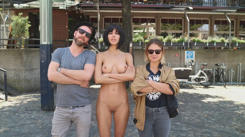 milor-moire-nude-naked-selfies-35