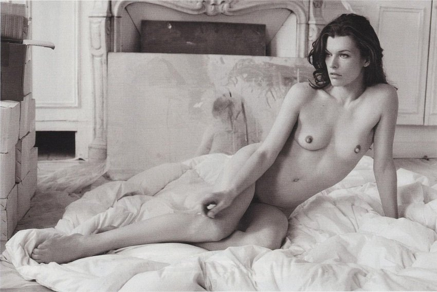 milla jovovich naked and topless