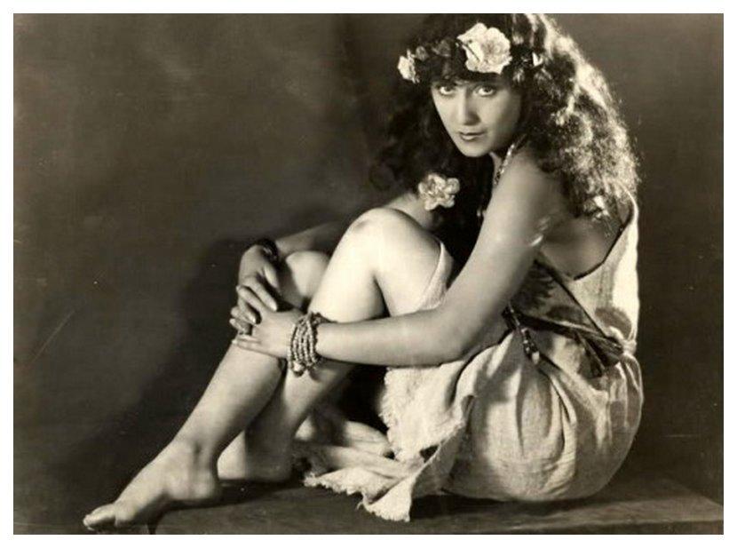 primeira atriz tinkerbell ao vivo